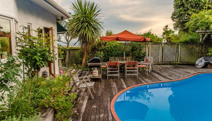 How to Choose the Perfect Pool Layout for Your Backyard