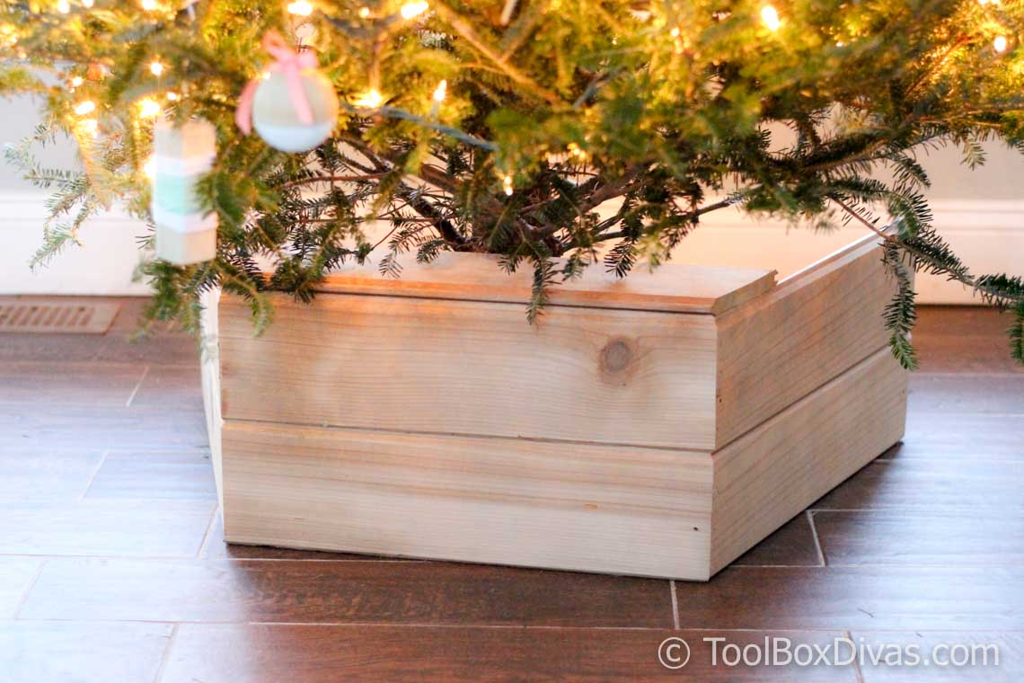 Christmas Tree Box Stand.Diy Wooden Christmas Tree Stand Box Toolbox Divas