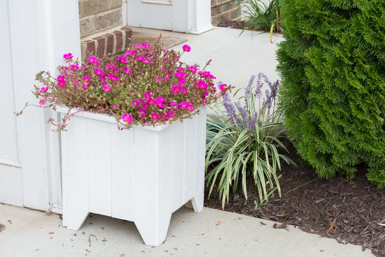 DIY Wooden Planter Box Painted White @ToolBoxDivas