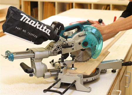 Makita LXSL01 Cordless Sliding Compound Miter Saw in Use