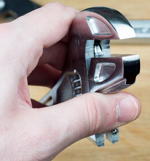 Husky Reversa Adjustable Wrench Jaws
