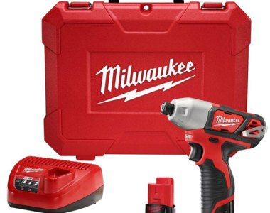 Milwaukee M12 2462 Impact Driver kit