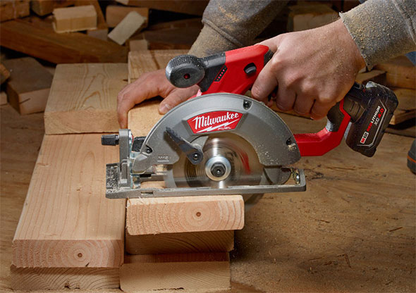 Milwaukee M12 Fuel Circular Saw Cutting 2X Boards