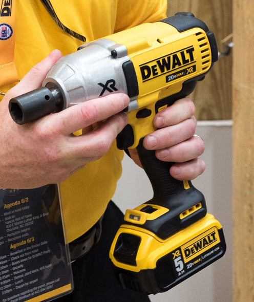 Dewalt 20V Max Brushless Impact Wrench Square Drive