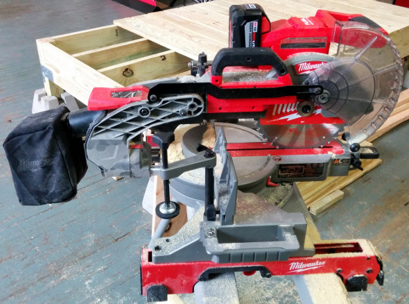 M18 Fuel Miter Saw Product Shot