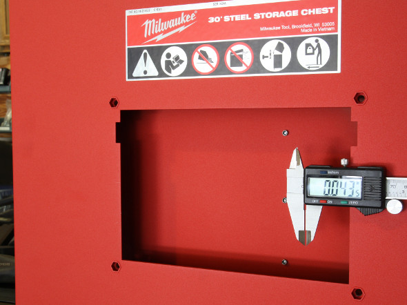 Milwaukee 30 inch storage combo carcass thickness