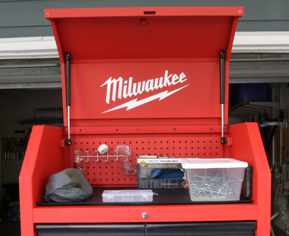 Milwaukee 30 inch storage combo under the lid