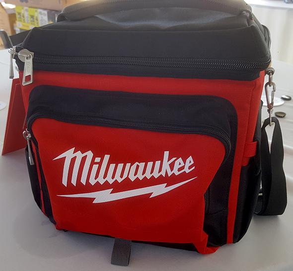 Milwaukee Soft Drinks Cooler