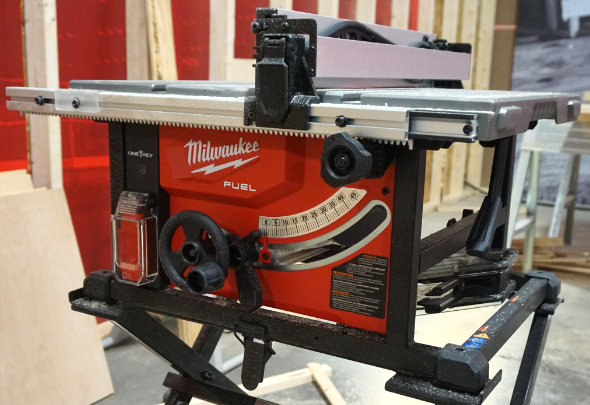 Milwaukee M18 Fuel table saw front panel