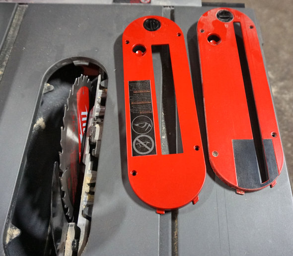 Milwaukee M18 Fuel table saw standard and dado throat plates