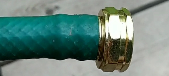 Replacing a hose end with a heat gun