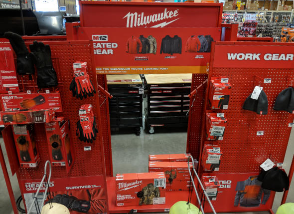 Milwaukee Heated Gear Display