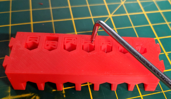 Using right angle pick to remove 3D printed supports