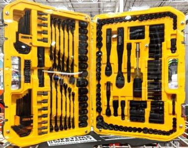 Dewalt DWMT81522 181 pc black chome mechanics tool set at Costco