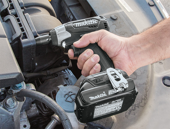 Makita XWT13 Sub-Compact Impact Wrench Automotive Application