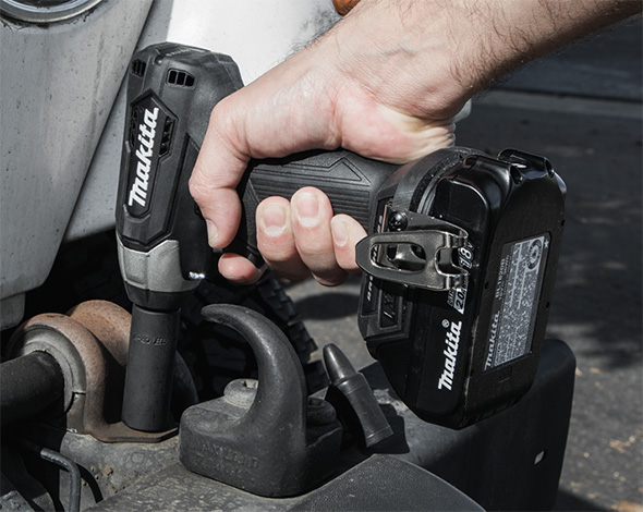 Makita XWT13 Sub-Compact Impact Wrench Construction Application