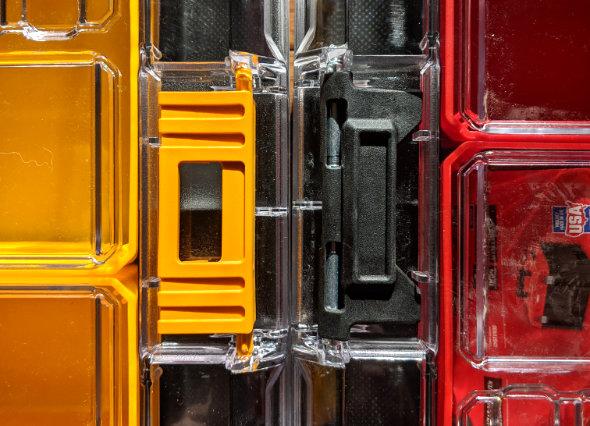 Craftsman Versastack and Dewalt Tstak latch comparison