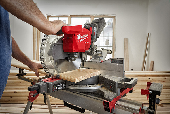 Milwaukee 2739-21HD M18 Fuel 12 Inch Cordless Miter Saw in Action