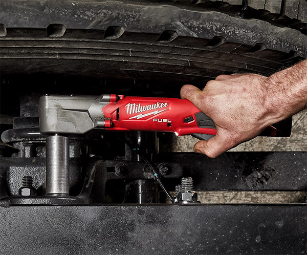 Milwaukee M12 Fuel Cordless Right Angle Impact Wrench Used in Tight Auto Work
