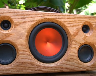 DIY Bluetooth Speaker with Epoxy Dovetail Joints by King Minhvuong