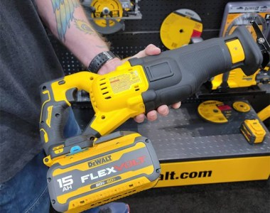 HDCarpentry Photo of Dewalt 15Ah Battery with Cordless Reciprocating Saw