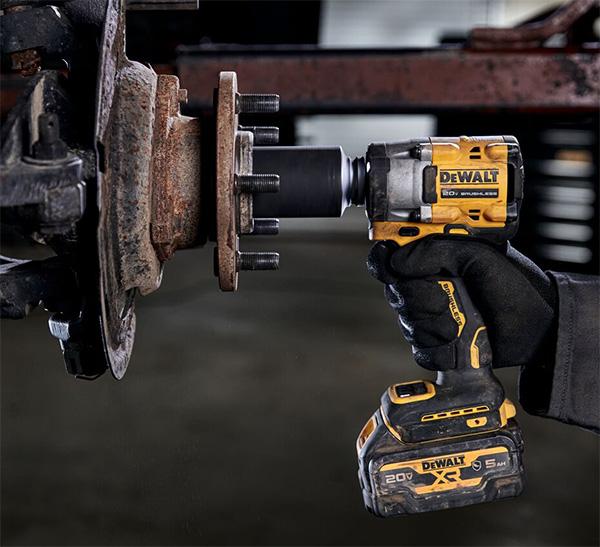 Dewalt DCF923B Atomic Impact Wrench used on Car Truck Wheel