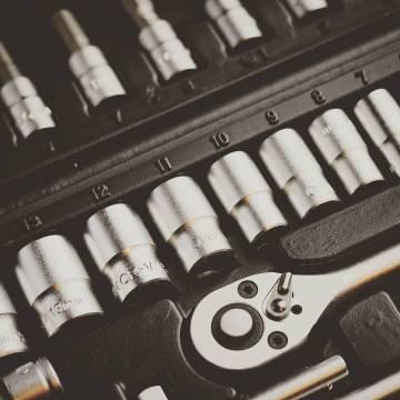 Cuida tu entorno de trabajo como nosotros cuidamos de nuestras herramientas! #workhard #tools #taller #workshop #customwork #pure #strong #pro #getpro #tools4us