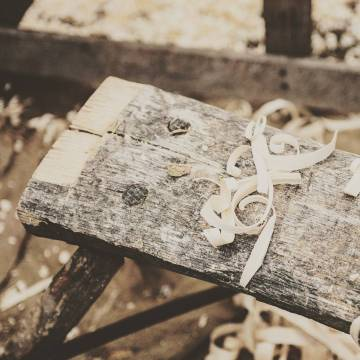 Buscas herramientas para tratar la madera? Carpinteros y ebanistas serán siempre bienvenidos! Muy pronto lanzaremos la sección especial para este sector en concreto. Compartelo con quien creas que puede llegar a resultar útil e interesante. #madera #ebanista #carpinteria #carpintero #trabajownmadera #wood #woodwork #wooklovers #serrin