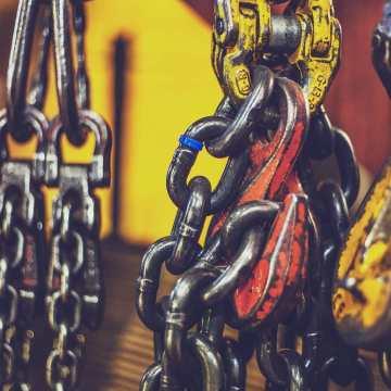 Si  necesitas, #elevadores, #polipastos, #andamios, #escaleras, #taburetes, #carros, kcartillas, cajas de #aluminio contacta con nosotros que te enviaremos el catalogo especifico con todo lo que necesitas. #workhard #nopainnogain #tools #herramientas #obra #taller #herreria #carpinteria