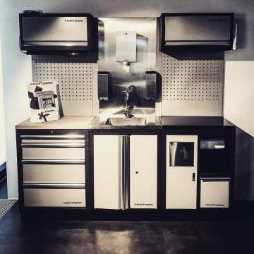 Nuevos módulos en nuestro catálogo de mobiliario. Lavamanos incorporados, papeleras y gabinete portadoras de mangueras de sistema hidráulico! # @kraftwerktools• • • • • •#kraftwerktools #sink #kitchen #tools #instagood #love #best #herramientas #herramientasprofesionales #mobiliario #taller #garage #garageprivado