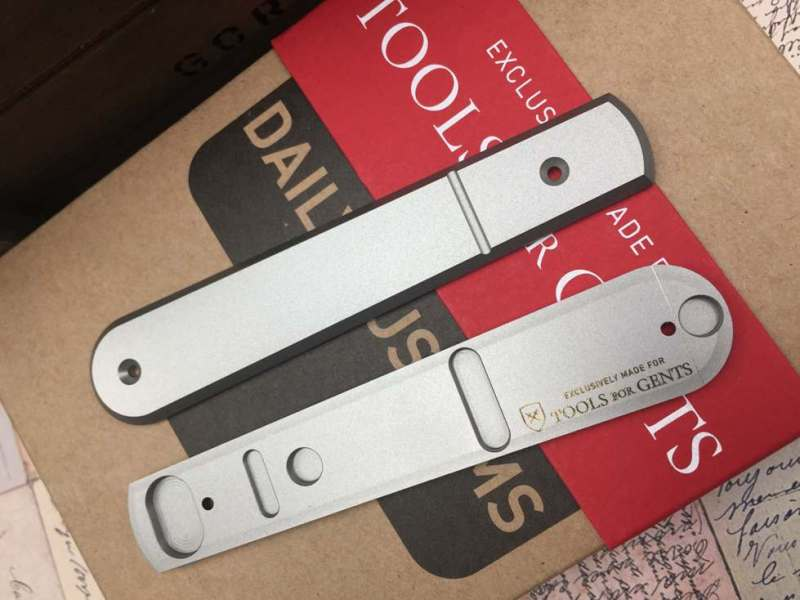 lionsteel_collectorknives_Roundhead-Daily-Customs-Scales-TFG-Edition-titanium