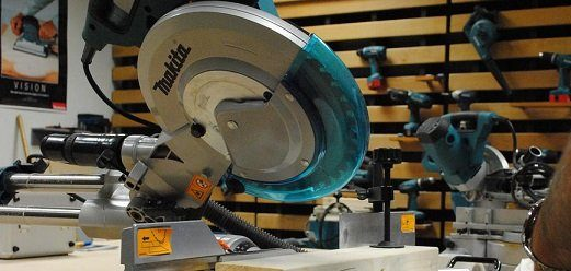 Adjust the Saw to the Proper Bevel