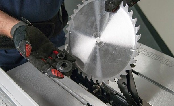 How to change a table saw blade 6 steps guide how to change a table saw blade greentooth Image collections