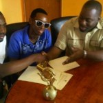 Yung6ix Officially signs 411/Storm Records Joint Venture Deal