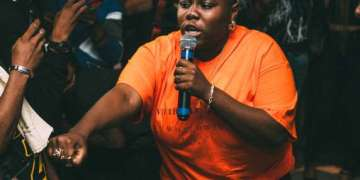 The Most Beautiful Marriage Proposal Happened At Teni's O2 Arena Show In London || Watch Video « tooXclusive