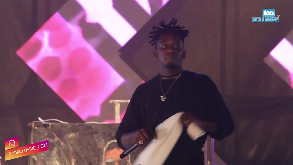 "Mr Eazi Turns Up Really Hard On The Mainland For DJ Kaywise's ""Joor Concert 4"" 