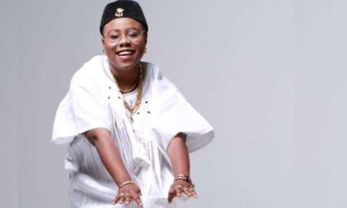 """""""30 Seconds Is Not Enough For My Baby"""" - Teni Sings While Romancing Secret Boyfriend « tooXclusive"""