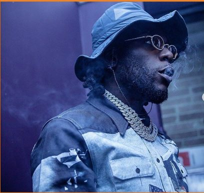 Burna Boy Causes Chaos On The Streets Of Lagos After Spraying Millions Of Naira « tooXclusive