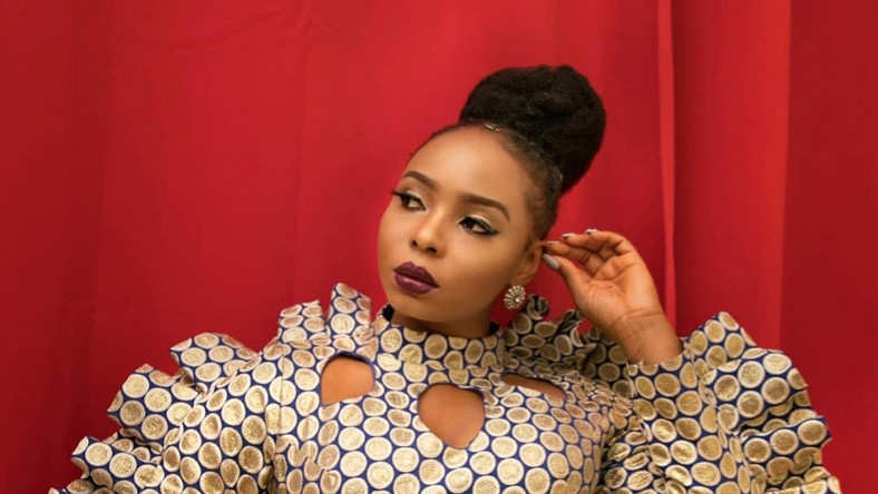Yemi Alade To Gift Fans With Thousands Of Naira To Stock Up Towards Market Shutdown « tooXclusive