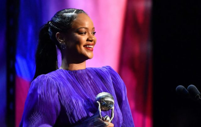 Rihanna Supports Nigerian Youths Peaceful Protest, Joins #EndSars2 1