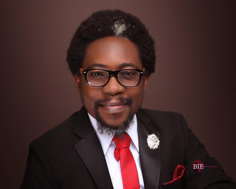 Nigerian Activist, Segalink Reveals What Transpired Between D'banj, Seyitan & The Nigerian Police « tooXclusive