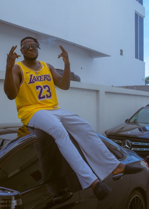 """Peruzzi Reacts After Twitter Users Called Davido """"His god"""" 1"""