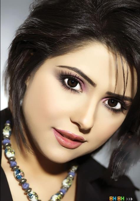 Самая красивая кувейтская девушка телеведущая Hessa Al Loughani фото