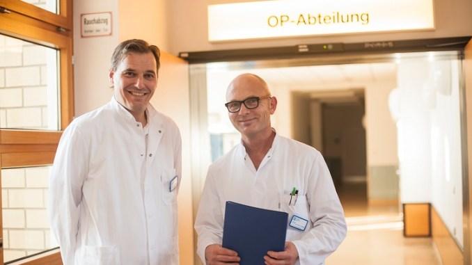 Professor Dr. Dietmar Jacob (l.) und Professor Dr. Björn Dirk Krapohl/Foto: Bastian