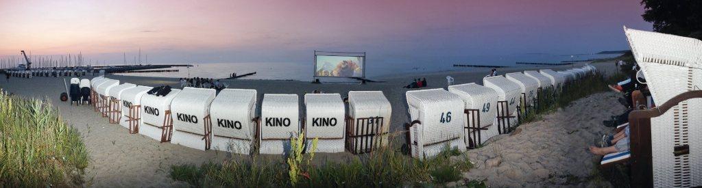 Strandkorb-Kino: Hier sitzt jeder in der ersten Reihe. - Foto: Touristik-Service-Kühlungsborn