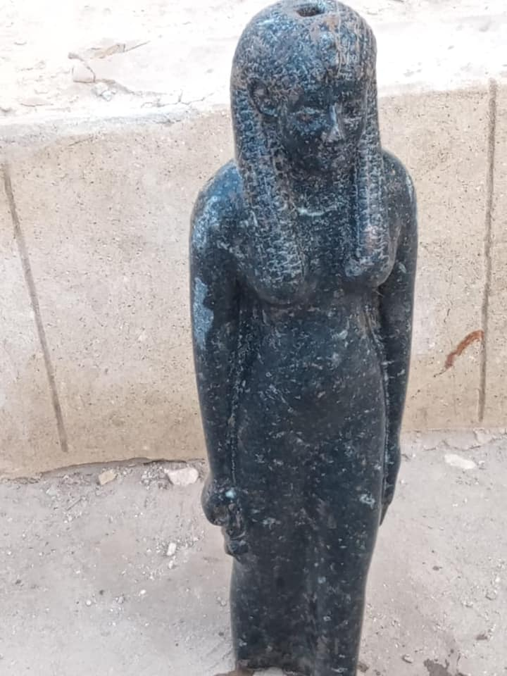 Statues of ancient Egyptian goddesses and Pharaoh Ramses II discovered