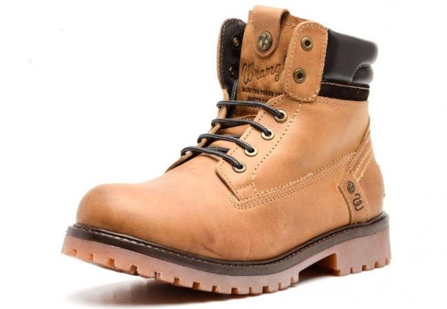 190fd885f9 firma Wrangler vyrába kvalitné pánske topánky pre všetky ročné obdobia  vrátane zimy. Väčšina modelov je vyrobená z pravej kože a interiér je  vyrobený z ...