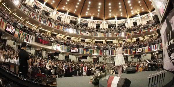 religao evangelica a que maisd cresce no brasil