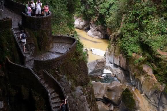 escadas no canyon equador2