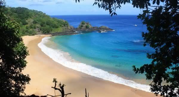 Baia do Sancho uma das praias mais bonitas do brasil